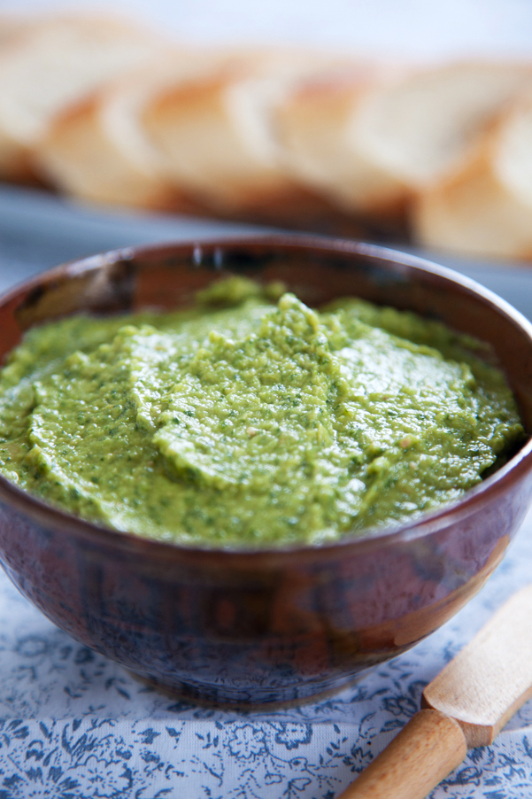 Spinach Hummus with dōTERRA wild orange essential oil
