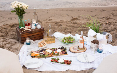 Beach picnic essentials tips + what to pack